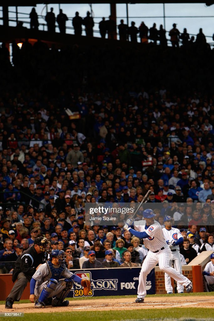 Derrek Lee #25 of the Chicago Cubs bats against the Los Angeles Dodgers in Game One of the NLDS during the 2008 MLB Playoffs at Wrigley Field on October 1, 2008 in Chicago, Illinois.
