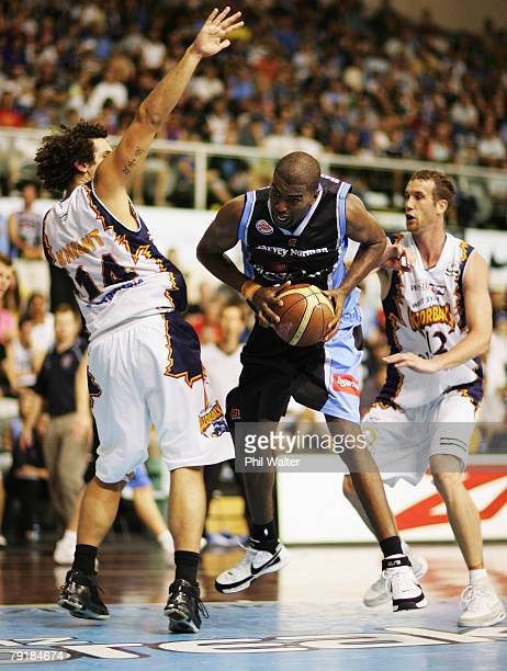 Derrick Alston of the Breakers tries to get around Matthew Knight of the Razorbacks during the round 19 NBL match between the New Zealand Breakers...