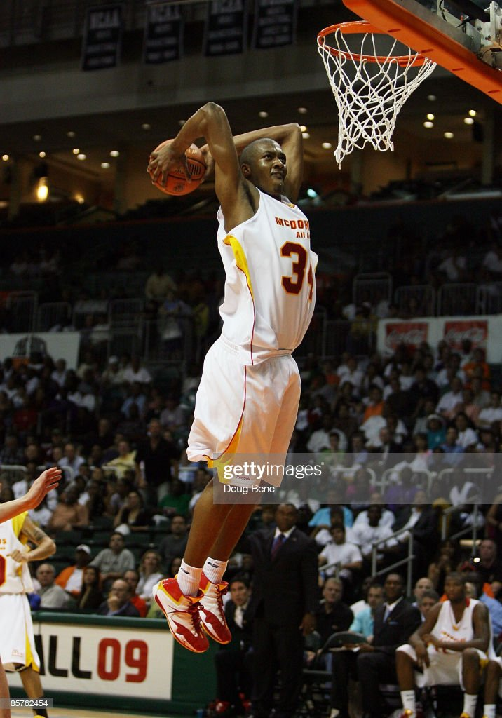 Derrick Favors of the East Team dunks against the West Team in the 2009 McDonald's All American Men's High School Basketball Game at BankUnited...