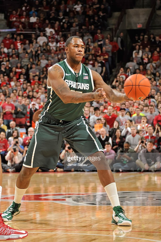 Derrick Nix #25 of the Michigan State Spartans controls the ball against the Ohio State Buckeyes on February 24, 2013 at Value City Arena in Columbus, Ohio.
