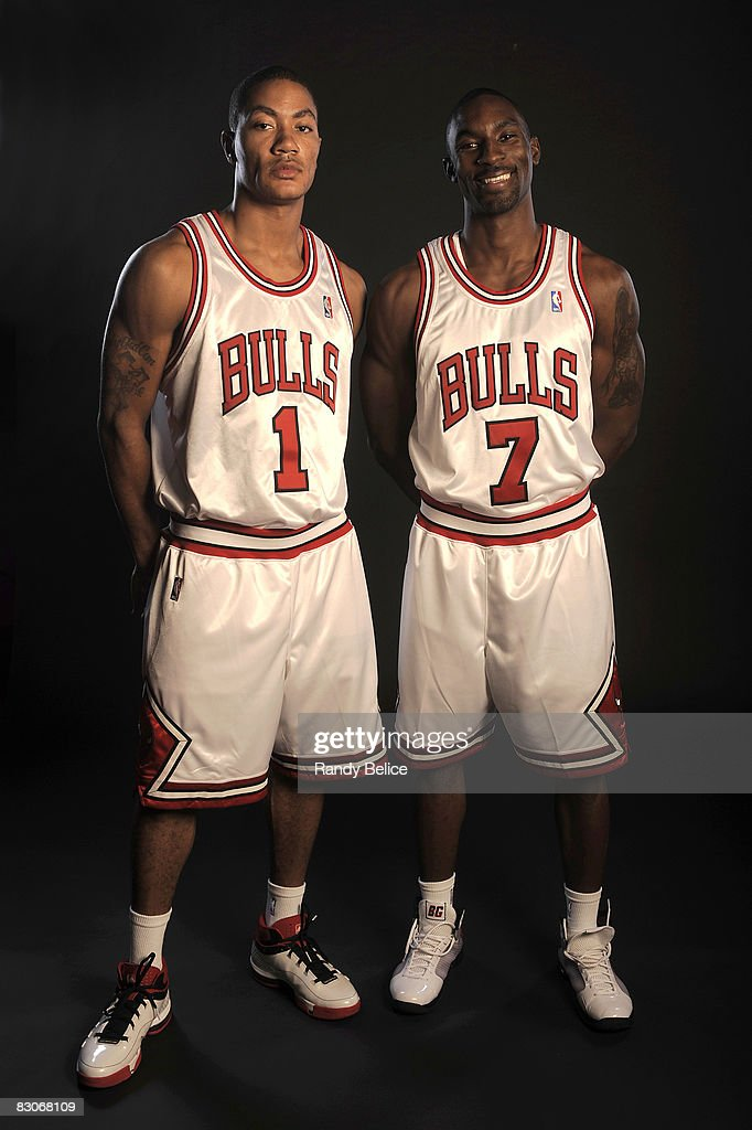 ¿Cuánto mide Derrick Rose? - Altura - Real height Derrick-rose-and-ben-gordon-of-the-chicago-bulls-pose-for-a-portrait-picture-id83068109