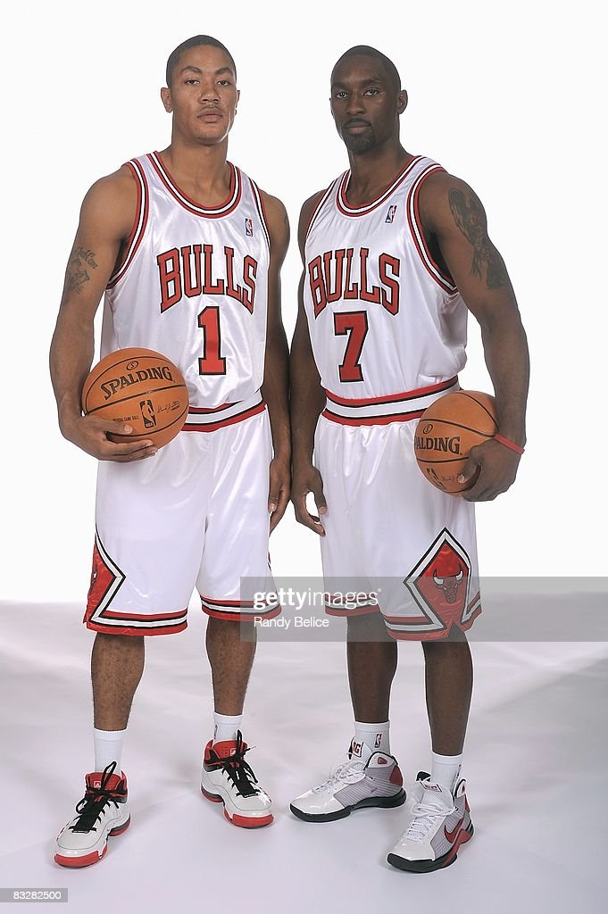 ¿Cuánto mide Derrick Rose? - Altura - Real height Derrick-rose-and-ben-gordon-of-the-chicago-bulls-pose-for-a-portrait-picture-id83282500