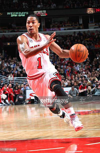 Derrick Rose of the Chicago Bulls drives against the Atlanta Hawks on March 11 2011 at the United Center in Chicago Illinois NOTE TO USER User...