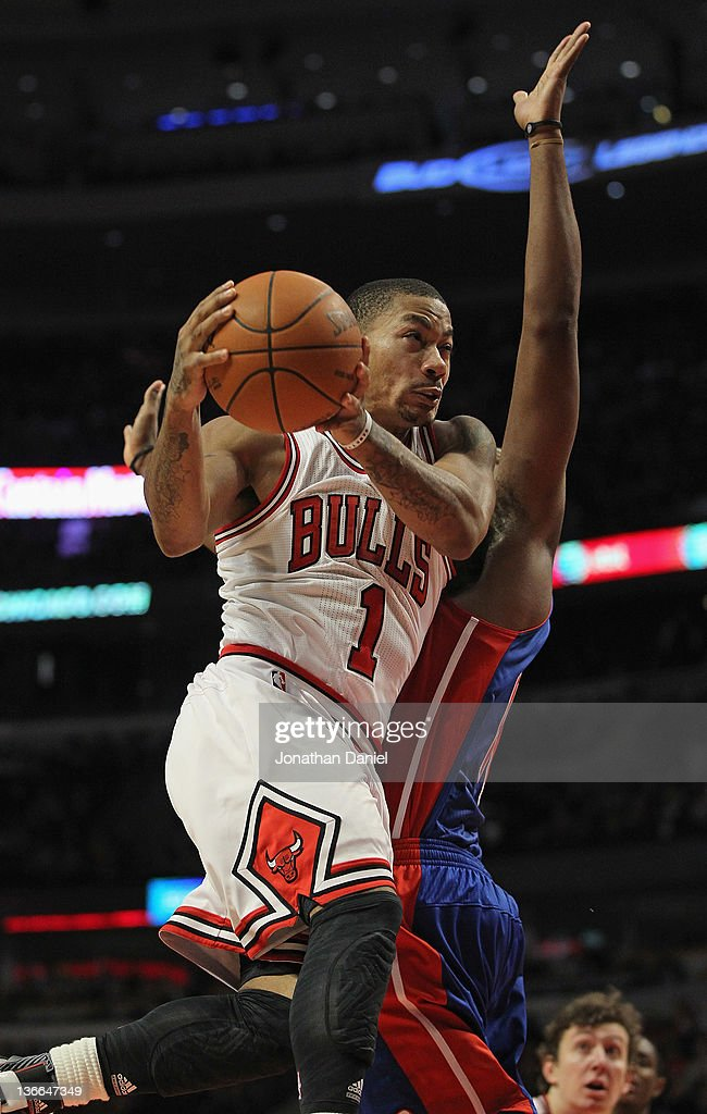 <a gi-track='captionPersonalityLinkClicked' href=/galleries/search?phrase=Derrick+Rose&family=editorial&specificpeople=4212732 ng-click='$event.stopPropagation()'>Derrick Rose</a> #1 of the Chicago Bulls drives to the basket against <a gi-track='captionPersonalityLinkClicked' href=/galleries/search?phrase=Greg+Monroe&family=editorial&specificpeople=5042440 ng-click='$event.stopPropagation()'>Greg Monroe</a> #10 of the Detroit Pistons at the United Center on January 9, 2012 in Chicago, Illinois. The Bulls defeated the Pistons 92-68.