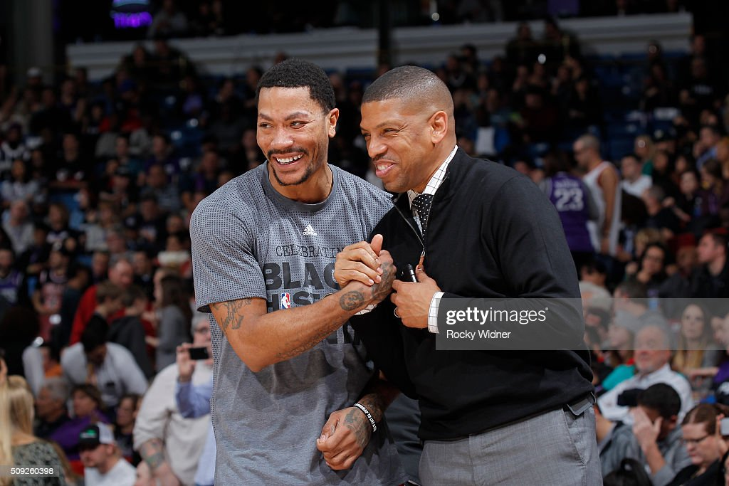 Derrick Rose of the Chicago Bulls greets Sacramento mayor Kevin Johnson prior to the game against the Sacramento Kings on February 3 2016 at Sleep...