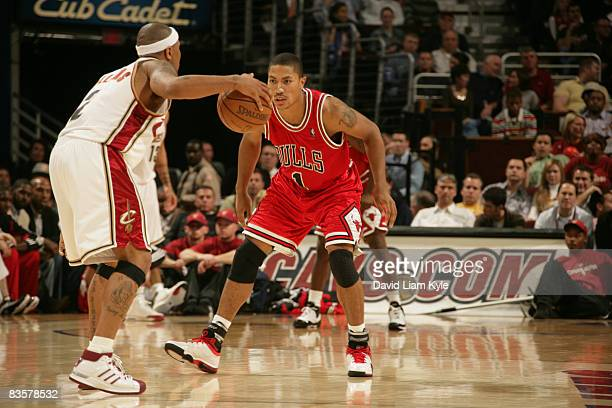 Derrick Rose of the Chicago Bulls guards Mo Williams of the Cleveland Cavaliers at The Quicken Loans Arena on November 5 2008 in Cleveland Ohio NOTE...