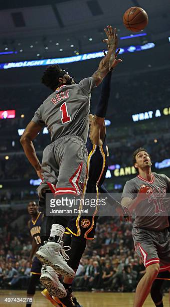 Derrick Rose of the Chicago Bulls puts up a shot against the Indiana Pacers at the United Center on November 16 2015 in Chicago Illinois Note to User...