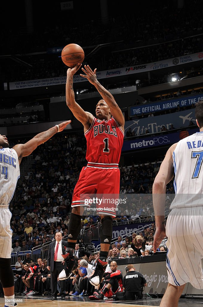<a gi-track='captionPersonalityLinkClicked' href=/galleries/search?phrase=Derrick+Rose&family=editorial&specificpeople=4212732 ng-click='$event.stopPropagation()'>Derrick Rose</a> #1 of the Chicago Bulls shoots over <a gi-track='captionPersonalityLinkClicked' href=/galleries/search?phrase=Jameer+Nelson&family=editorial&specificpeople=202057 ng-click='$event.stopPropagation()'>Jameer Nelson</a> #14 of the Orlando Magic on March 4, 2011 at the Amway Center in Orlando, Florida.