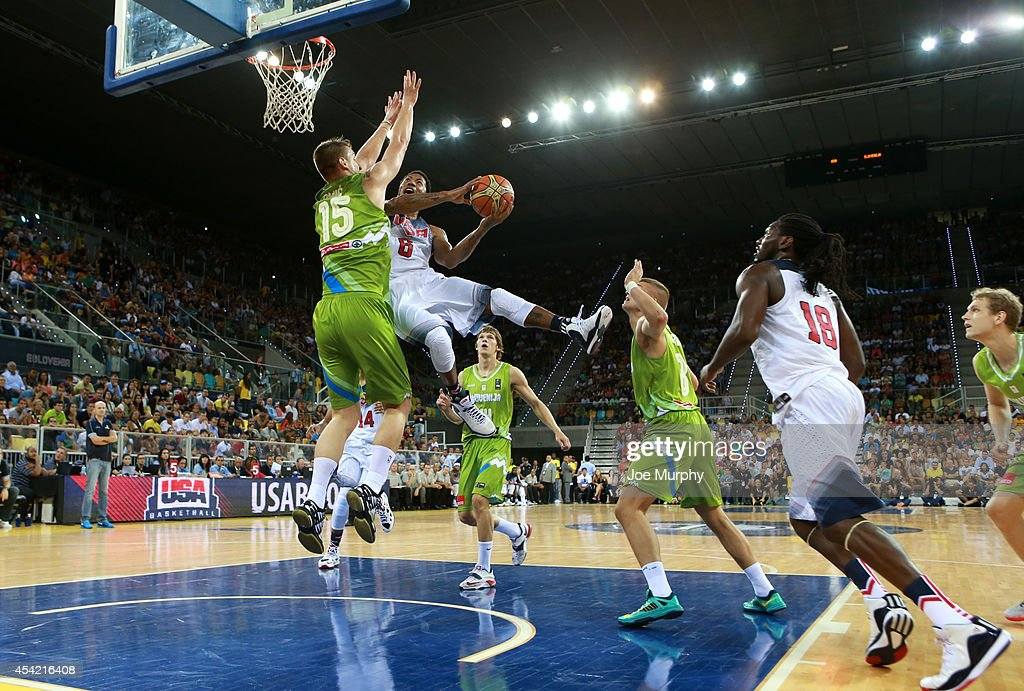 <a gi-track='captionPersonalityLinkClicked' href=/galleries/search?phrase=Derrick+Rose&family=editorial&specificpeople=4212732 ng-click='$event.stopPropagation()'>Derrick Rose</a> #6 of the USA Basketball Men's National Team drives to the basket against the Slovenia Basketball Men's National Team on August 26, 2014 at Gran Canaria Arena in Las Palmas, Gran Canaria, Spain.