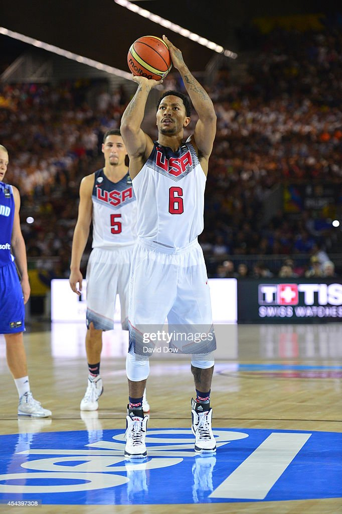 <a gi-track='captionPersonalityLinkClicked' href=/galleries/search?phrase=Derrick+Rose&family=editorial&specificpeople=4212732 ng-click='$event.stopPropagation()'>Derrick Rose</a> #6 of the USA Basketball Men's National Team shoots the basketball against the Finland Nation Basketball Team during the FIBA 2014 World Cup Tournament at the Bilbao Exhibition Center on August 30, 2014 in Bilbao, Spain.