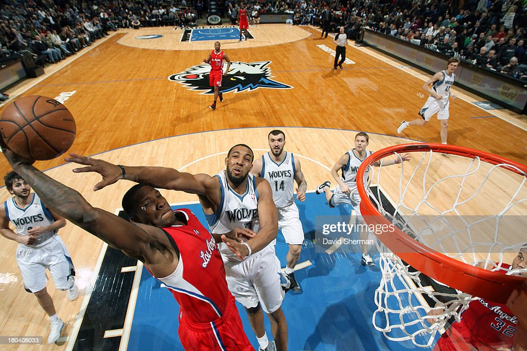 Derrick Williams #7 of the Minnesota Timberwolves attempts to block a shot against <a gi-track='captionPersonalityLinkClicked' href=/galleries/search?phrase=Eric+Bledsoe&family=editorial&specificpeople=6480906 ng-click='$event.stopPropagation()'>Eric Bledsoe</a> #12 of the Los Angeles Clippers on January 30, 2013 at Target Center in Minneapolis, Minnesota.
