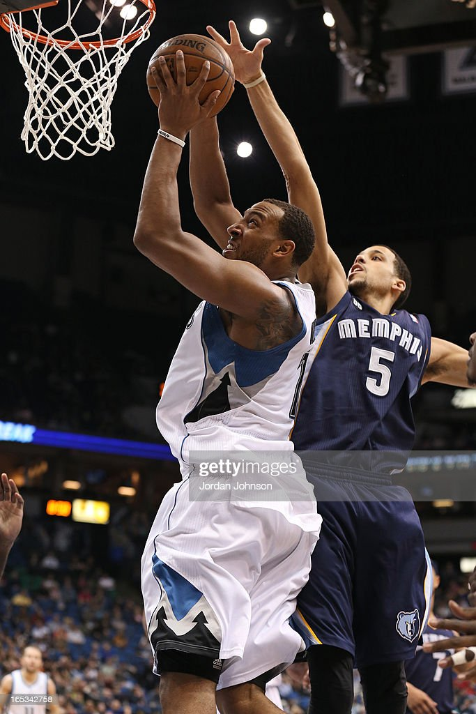 Derrick Williams #7 of the Minnesota Timberwolves drives to the basket against the Memphis Grizzlies on March 30, 2013 at Target Center in Minneapolis, Minnesota.