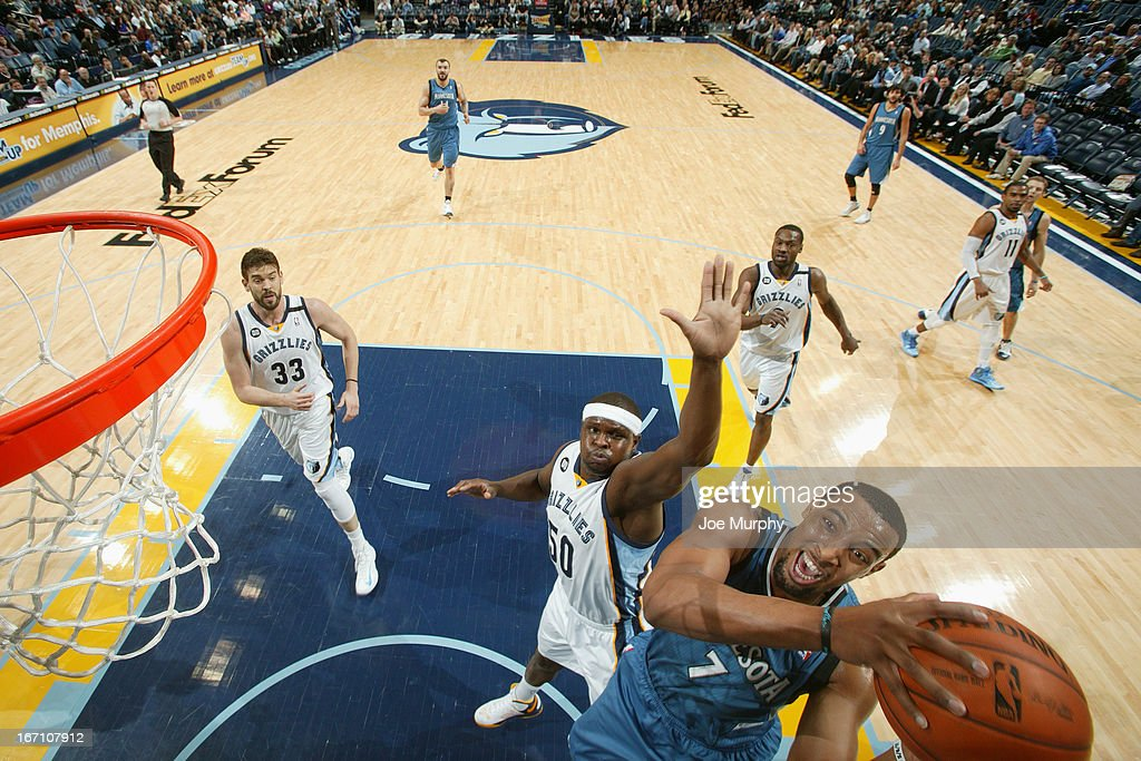 Derrick Williams #7 of the Minnesota Timberwolves shoots against <a gi-track='captionPersonalityLinkClicked' href=/galleries/search?phrase=Zach+Randolph&family=editorial&specificpeople=201595 ng-click='$event.stopPropagation()'>Zach Randolph</a> #50 of the Memphis Grizzlies on March 18, 2013 at FedExForum in Memphis, Tennessee.