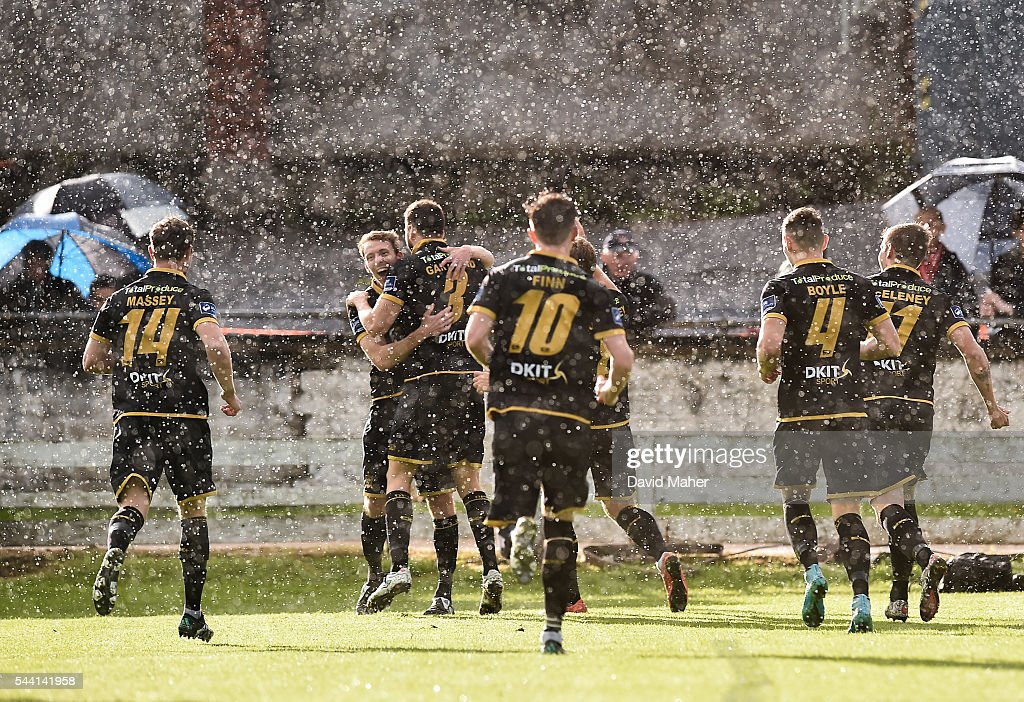Derry , Ireland - 1 July 2016; Brian Gartland, left, of Dundalk celebrates after scoring his side's first goal with team-mates during the SSE Airtricity League Premier Division match between Derry City and Dundalk at the Brandywell Stadium in Derry.