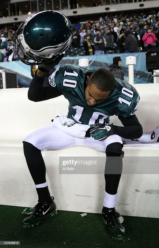 <a gi-track='captionPersonalityLinkClicked' href=/galleries/search?phrase=DeSean+Jackson&family=editorial&specificpeople=2212775 ng-click='$event.stopPropagation()'>DeSean Jackson</a> #10 of the Philadelphia Eagles reacts after their 16 to 21 loss to the Green Bay Packers during the 2011 NFC wild card playoff game at Lincoln Financial Field on January 9, 2011 in Philadelphia, Pennsylvania.