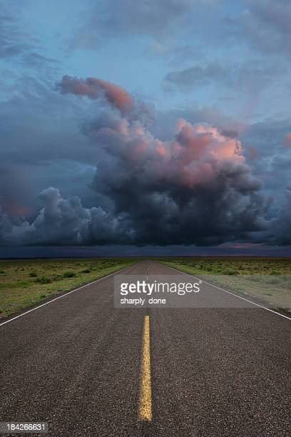 XXL carretera del desierto tormenta