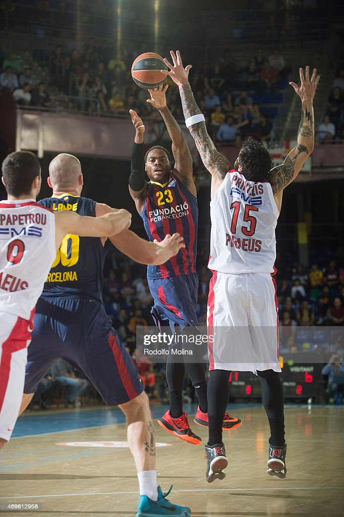 Deshaun Thomas #23 of FC Barcelona in action during the 20142015 Turkish Airlines Euroleague Basketball Play Off Game 1 between FC Barcelona v...