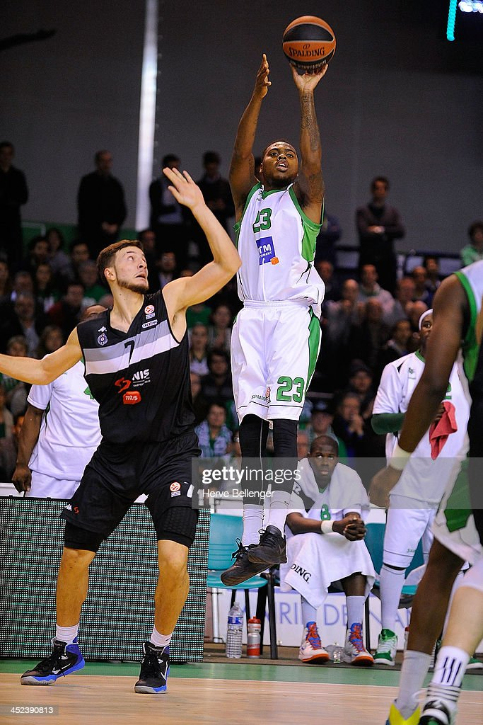 Deshaun Thomas, #23 of JSF Nanterre in action during the 2013-2014 Turkish Airlines Euroleague Regular Season Date 7 game between JSF Nanterre v Partizan NIS Belgrade at Halle Carpenter on November 28, 2013 in Nanterre, France.