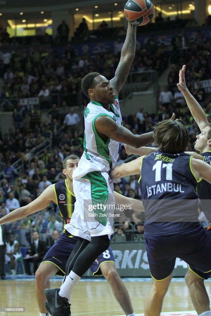 Deshaun Thomas of JSF Nanterre in action during the 20132014 Turkish Airlines Euroleague Regular Season Date 5 game between Fenerbahce Ulker Istanbul...