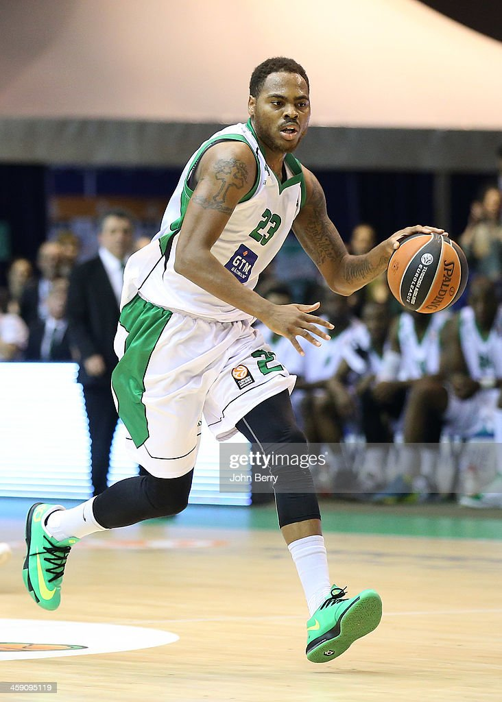 Deshaun Thomas of Nanterre in action during the Turkish Airlines Euroleague match between JSF Nanterre and Fenerbahce Ulker Istanbul at the Halle...
