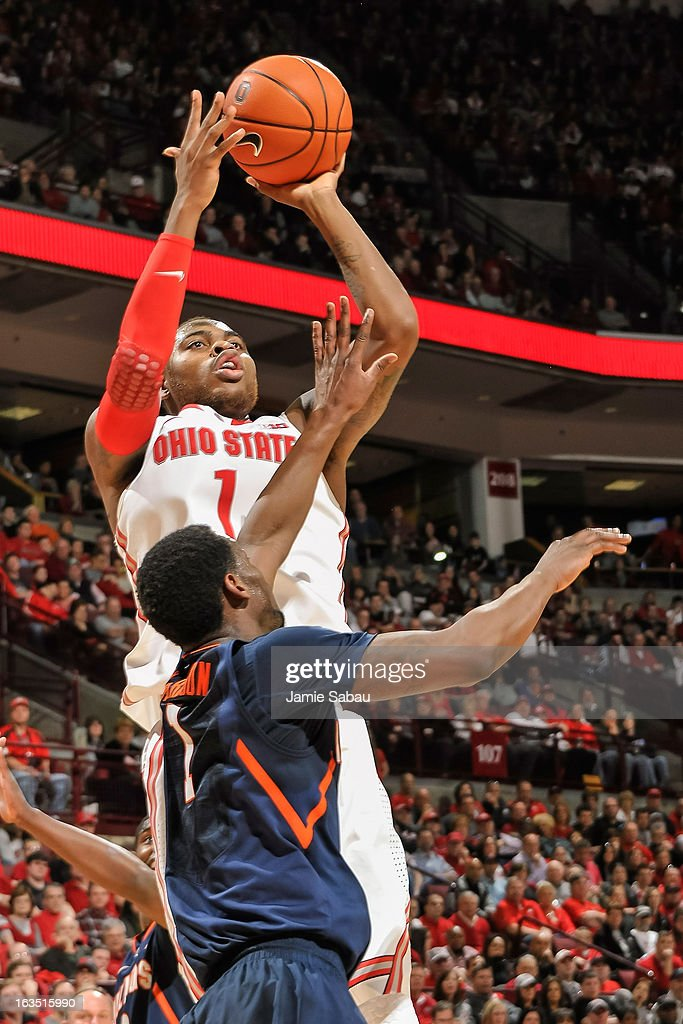 Deshaun Thomas #1 of the Ohio State Buckeyes shoots the ball against the Illinois Fighting Illini on March 10, 2013 at Value City Arena in Columbus, Ohio.