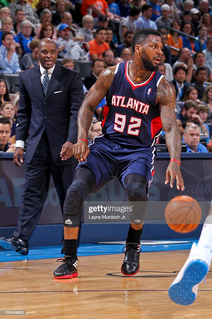 <a gi-track='captionPersonalityLinkClicked' href=/galleries/search?phrase=DeShawn+Stevenson&family=editorial&specificpeople=202494 ng-click='$event.stopPropagation()'>DeShawn Stevenson</a> #92 of the Atlanta Hawks controls the ball as head coach Larry Drew looks on against the Oklahoma City Thunder on November 4, 2012 at the Chesapeake Energy Arena in Oklahoma City, Oklahoma.