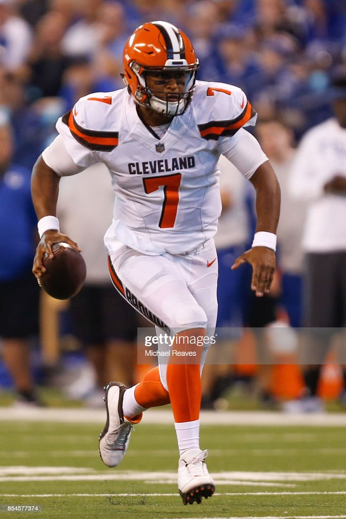Cleveland Browns v Indianapolis Colts : News Photo