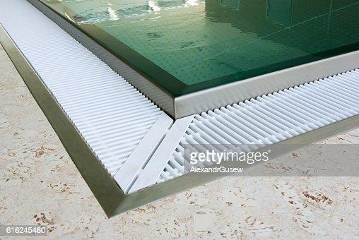 Design of swimming pool in modern gym : Foto de stock