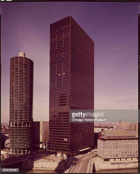 Exterior view of the IBM Building Chicago Illinois circa October 20 November 30 1972 Designed by the Office of Mies van der Rohe A Marina City tower...
