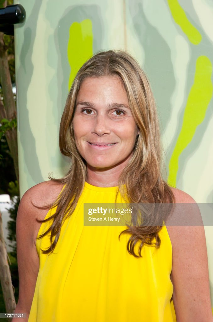 Designer <a gi-track='captionPersonalityLinkClicked' href=/galleries/search?phrase=Aerin+Lauder&family=editorial&specificpeople=223890 ng-click='$event.stopPropagation()'>Aerin Lauder</a> attends the 2nd annual Paddle & Party for Pink on August 17, 2013 in Sag Harbor, New York.