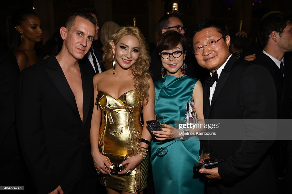 Designer Jeremy Scott guest Executive Vice President of Global Marketing for Samsung Mobile Communications Business Younghee Lee and President and...