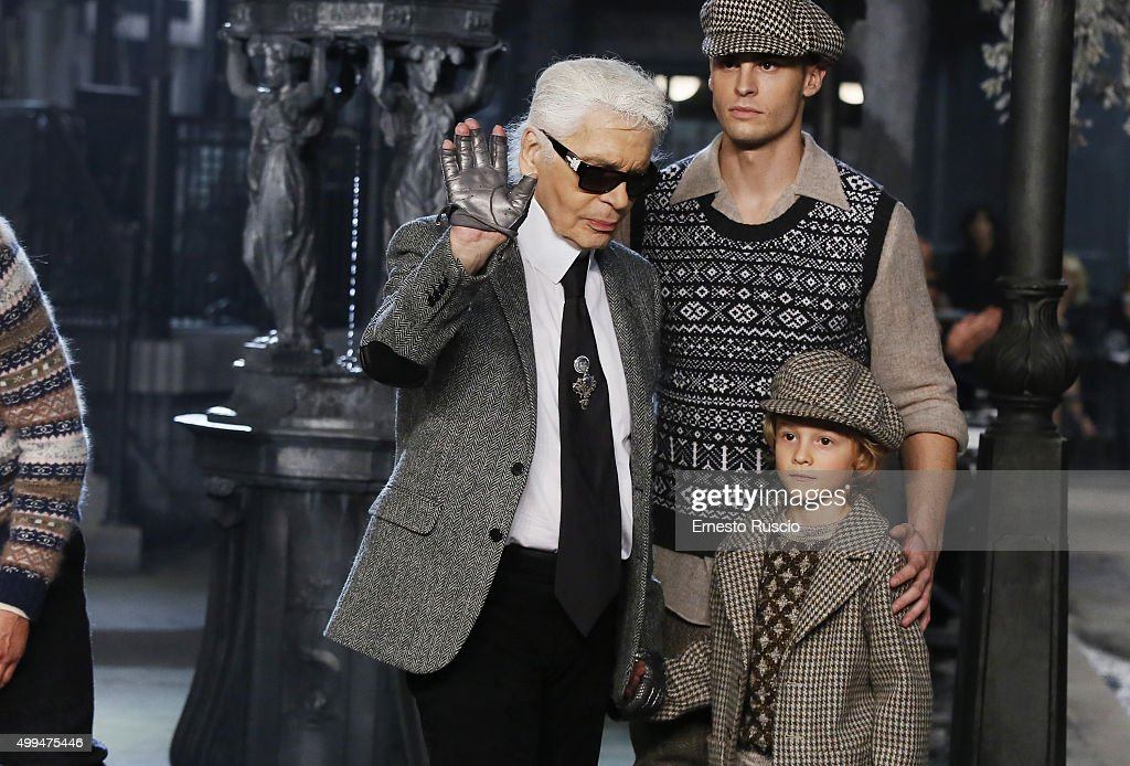 Designer <a gi-track='captionPersonalityLinkClicked' href=/galleries/search?phrase=Karl+Lagerfeld+-+Fashion+Designer&family=editorial&specificpeople=4330565 ng-click='$event.stopPropagation()'>Karl Lagerfeld</a> walks the runway during the Chanel Metiers d'Art 2015/16 Fashion Show at Cinecitta on December 1, 2015 in Rome, Italy.