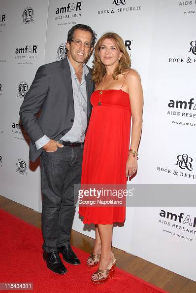 Designer Kenneth cole and actress Natasha Richardson arrives at the 16 annual AmFar Rocks Benefit on september 24 2007 at the Puck Building in New...