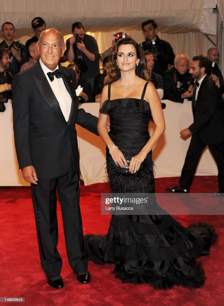 Designer Oscar de la Renta and actress Penelope Cruz attend the 'Alexander McQueen: Savage Beauty' Costume Institute Gala at The Metropolitan Museum of Art on May 2, 2011 in New York City.