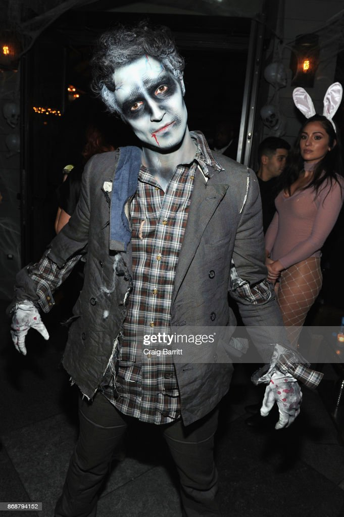 Designer Zac Posen attends Heidi Klum's 18th Annual Halloween Party sponsored by Party City and SVEDKA Vodka at Magic Hour at Moxy Times Square on October 31, 2017 in New York City.