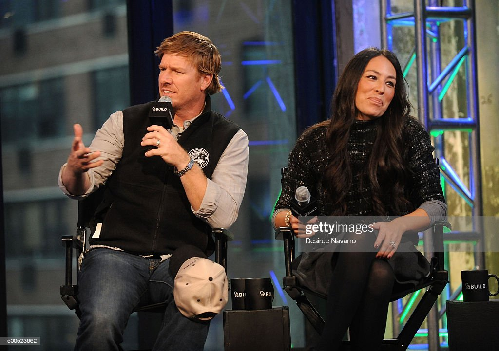 Designers chip gaines and joanna gaines attend aol build presents