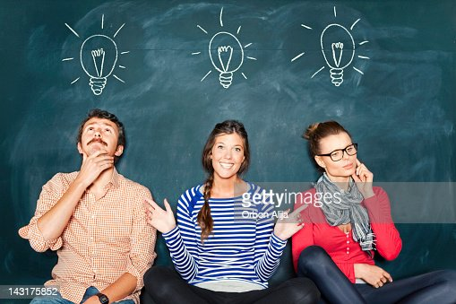 Designer davanti una lavagna : Stock Photo