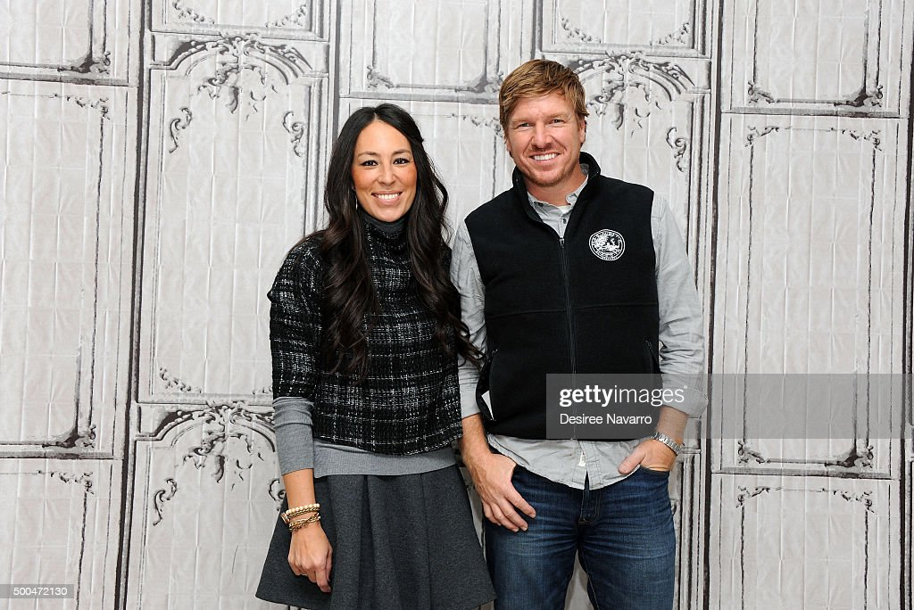 Designers joanna gaines and chip gaines attend aol build presents