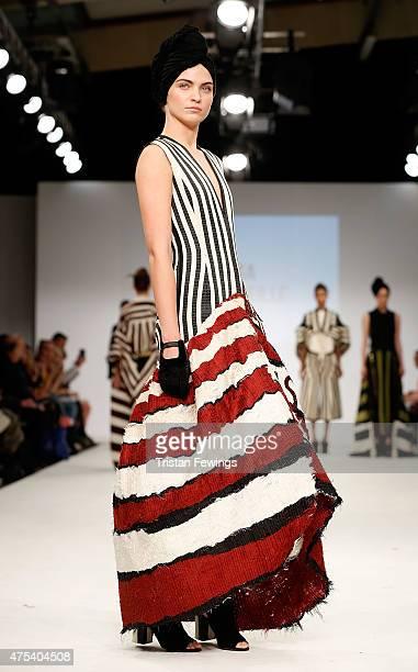 Striped Glove Photos Et Images De Collection Getty Images