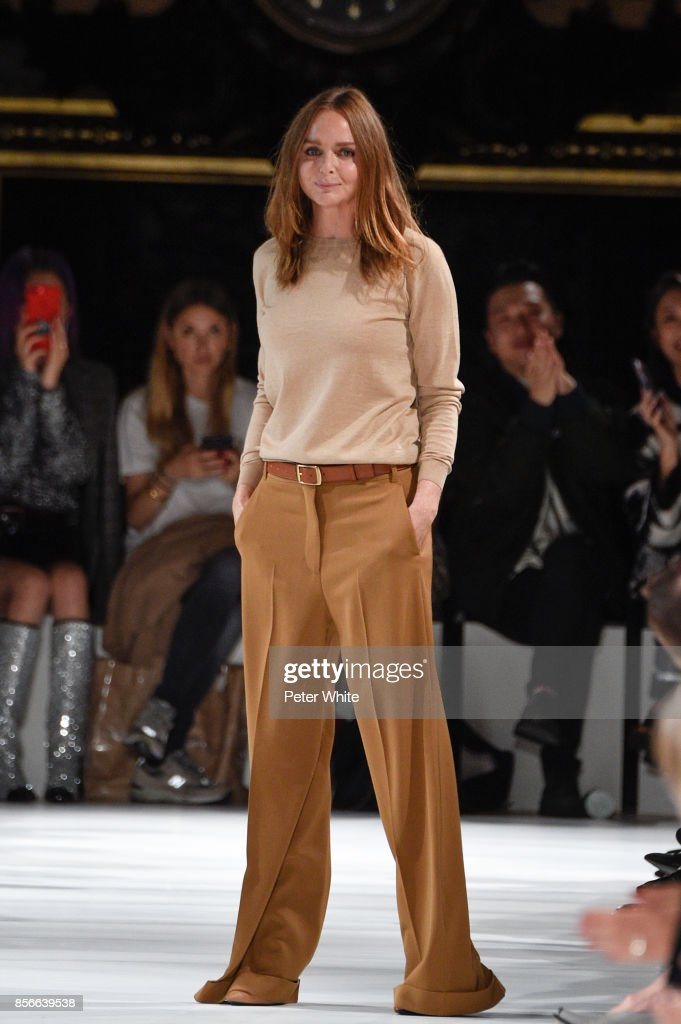 Desinger Stella McCartney acknowledges the audience at the end of her show as part of the Paris Fashion Week Womenswear Spring/Summer 2018 on October 2, 2017 in Paris, France.