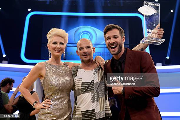 Desiree Nick winner Ben Tewaag and Jochen Schropp pose during the finals of 'Promi Big Brother 2016' at MMC Studios on September 16 2016 in Cologne...