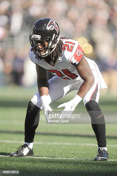 Desmond Trufant of the Atlanta Falcons in position during a NFL football game against the Baltimore Ravens at MT Bank Stadium on October 19 2014 in...