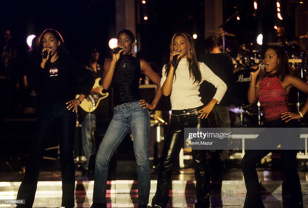 Divas 2000 tribute to diana ross rehearsal getty images for Diva 2000