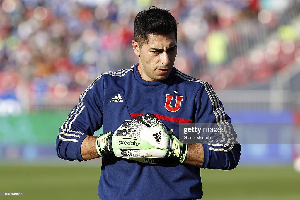 Detail of a pair of gloves during a match between O'Higgins and U de Chile as part of the Torneo Apertura at National Stadium, on October 05, 2013 in Santiago, Chile.