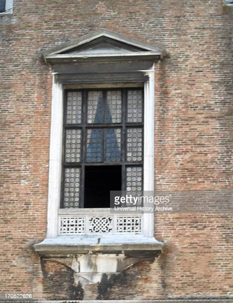 Detail of the Doge's Palace Courtyard Venice Built in Venetian Gothic style the palace was the residence of the Doge of Venice It is now open as a...