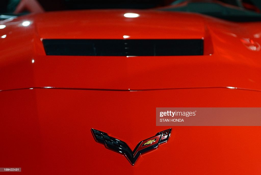 Detail of the hood of the redesigned 2014 Chevrolet Corvette Stingray is introduced the night before press previews start at the 2013 North American International Auto Show in Detroit, Michigan, January 13, 2013. AFP PHOTO/Stan HONDA