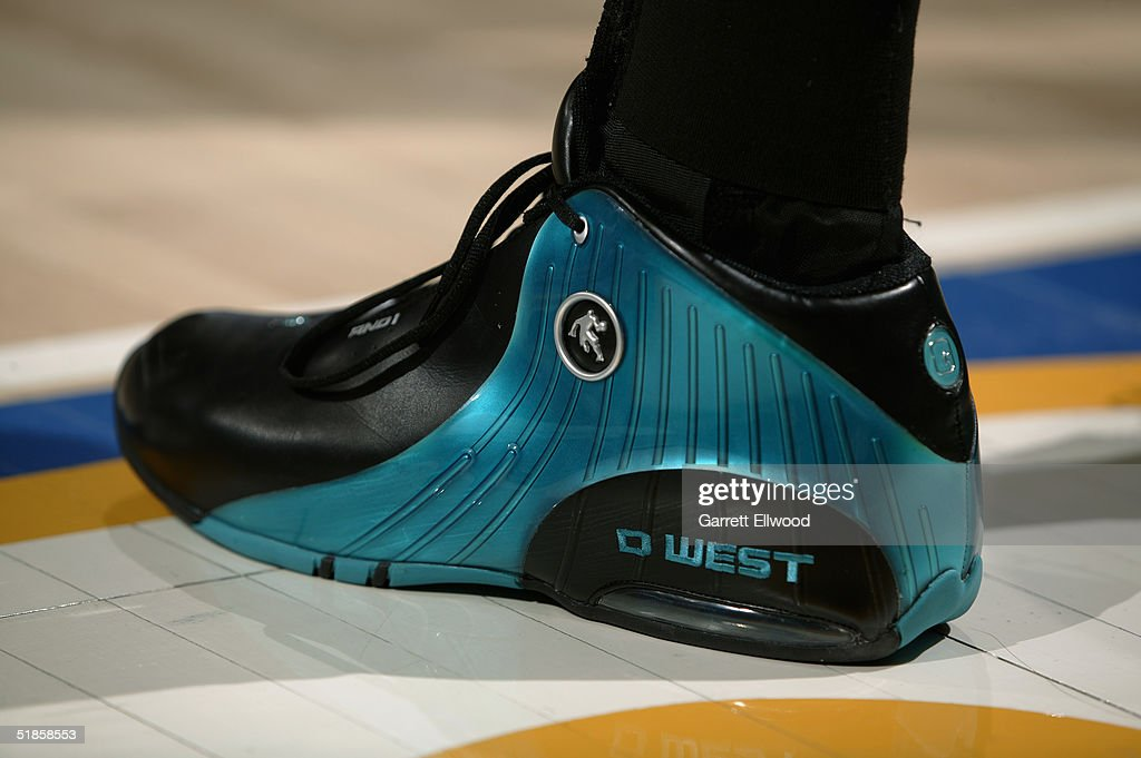 Detail of the shoe belonging to David West New Orleans Hornets during the game against the Denver Nuggets on November 29 2004 at Pepsi Center in...