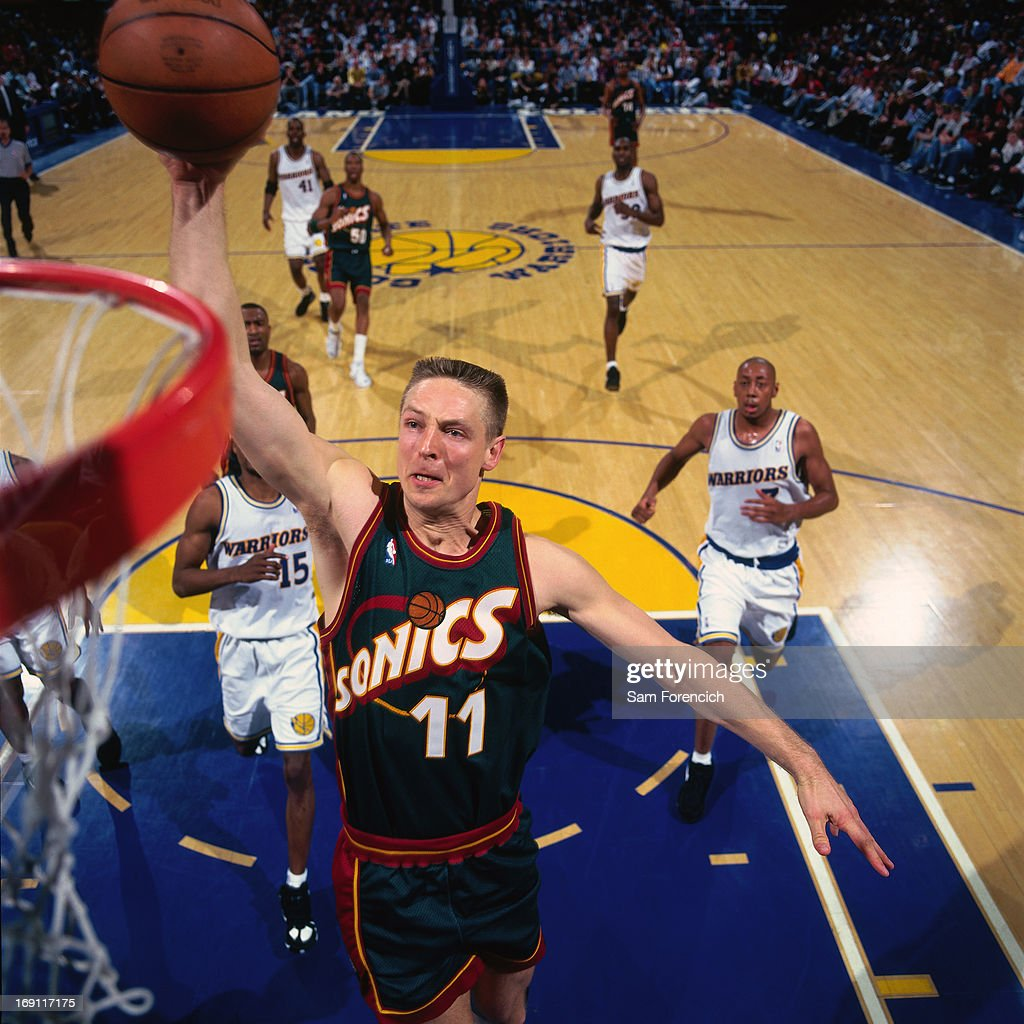 Seattle Supersonics v Golden State Warriors