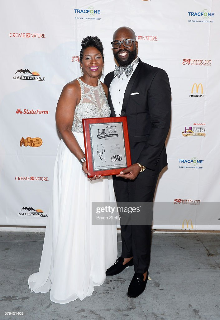 Detrick Simmons (R) of the St. Marks 4 Bridges Baptist Church Mass Choir, winner of the award for 'Best Church Choir' poses backstage during the 2016 Neighborhood Awards hosted by Steve Harvey at the Mandalay Bay Events Center on July 23, 2016 in Las Vegas, Nevada.