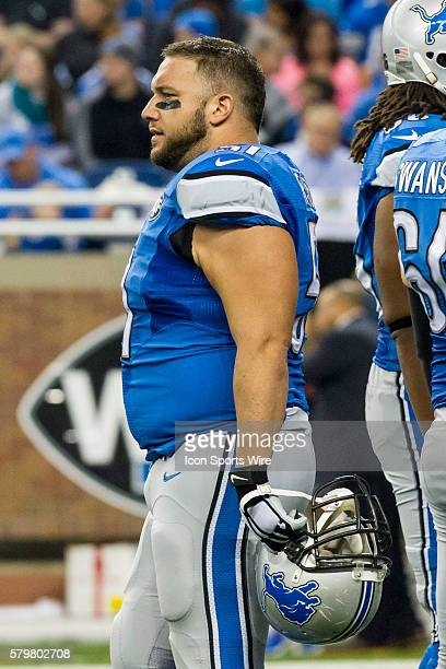 Detroit Lions center Dominic Raiola during game action between the Chicago Bears and Detroit Lions during a regular season game played at Ford Field...